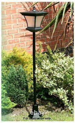 Mason & Jones Solar Powered Garden Decoration Traditional Lamp Post 1.3m